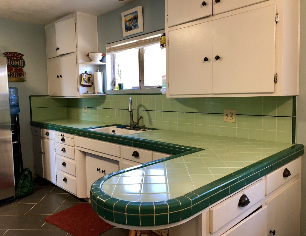 Green Kitchen Tile Countertop